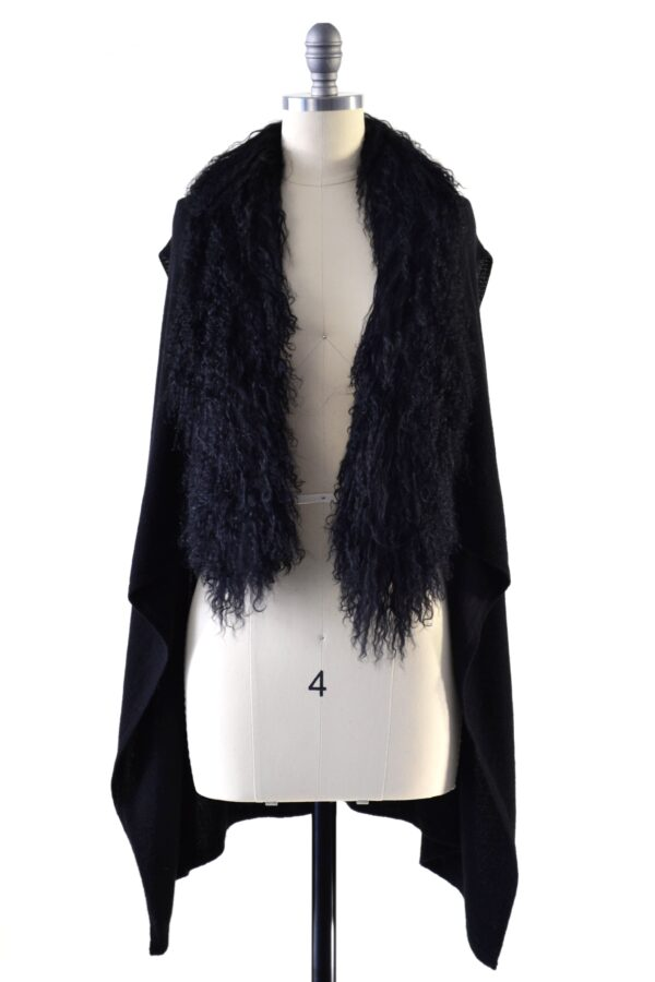 black gilet on mannequin front view